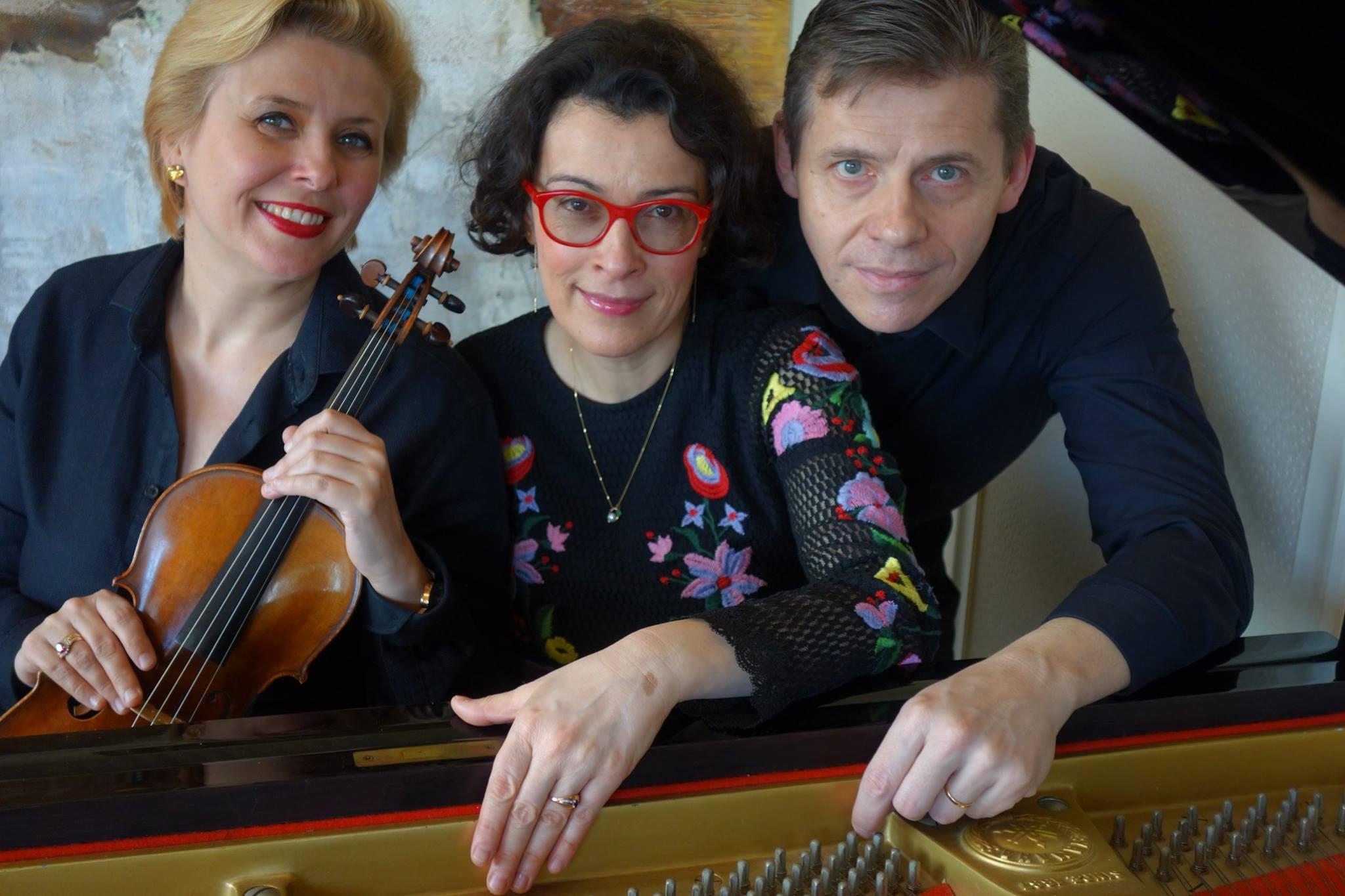 """Saforguia Revista – Trio continents """"Tradició i modernitat a través de la música"""""""